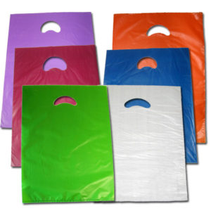 Bolsa de plástico asa troquelada 25 x 35 cm