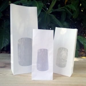 Bolsa blanca con ventana e interior en polipropileno